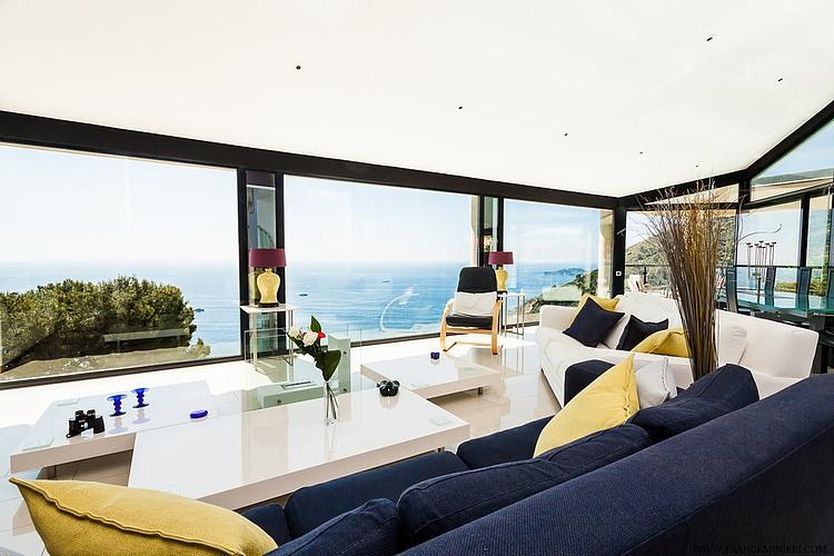 Interiores de resid ncia na riviera francesa vidrado for Riviera house
