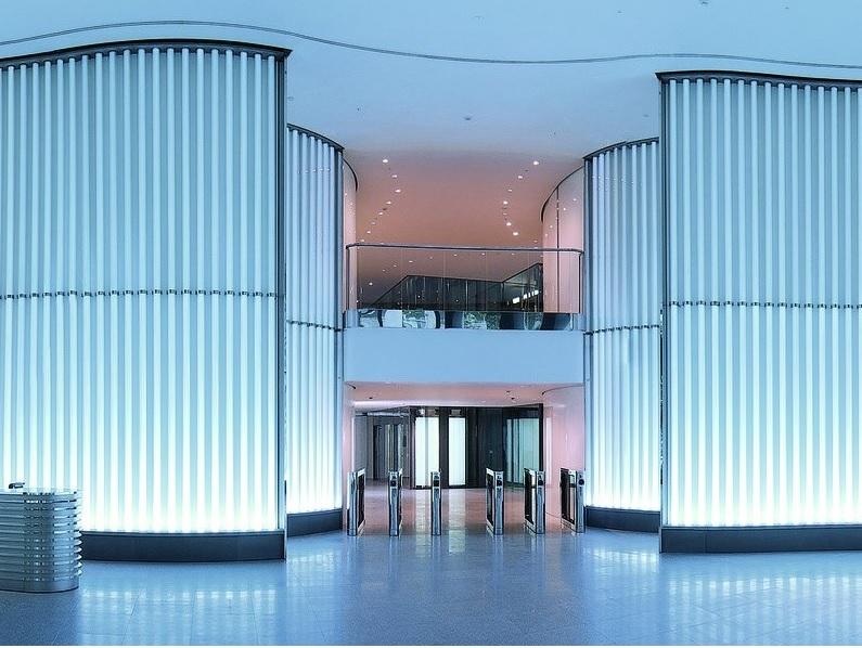 fachada-de-vidro-channel-glass-azul