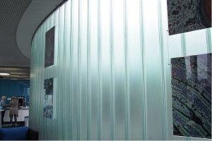 channel-glass-curvo-fachada-estrutural-pilkington-profilit-1