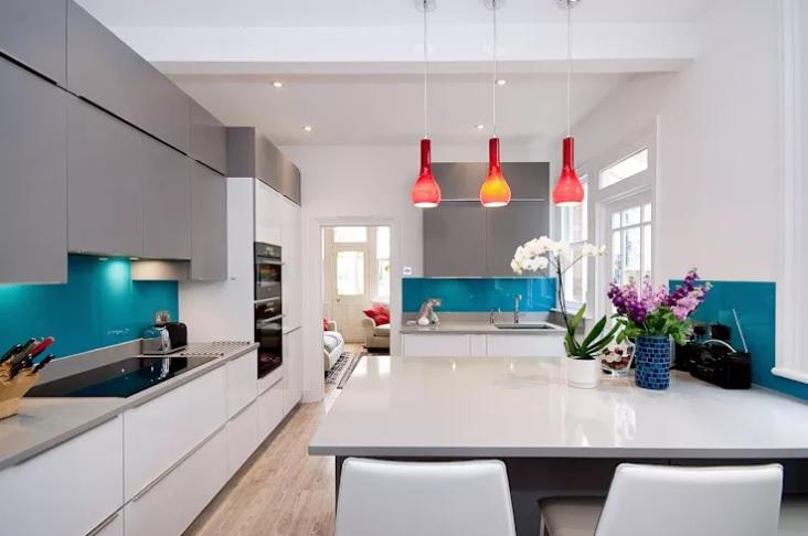 cozinha-revestida-com-vidro-pintado-serigrafado-azulcozinha-revestida-com-vidro-pintado-serigrafado-azul