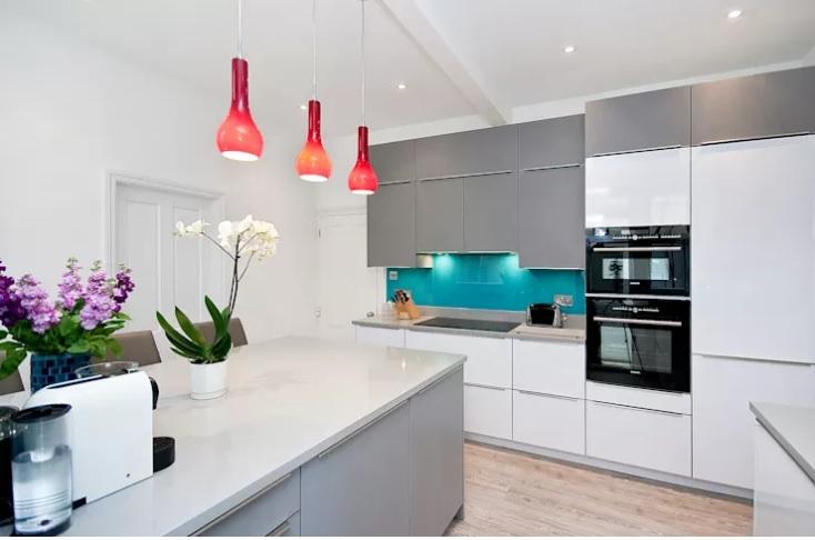 revestimento-cozinha-com-vidro-pintado-serigrafado-azul