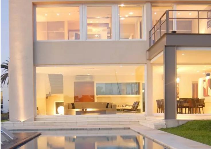chapa-de-vidro-jumbo-fachada-residencial-por-ramirez-arquitetura