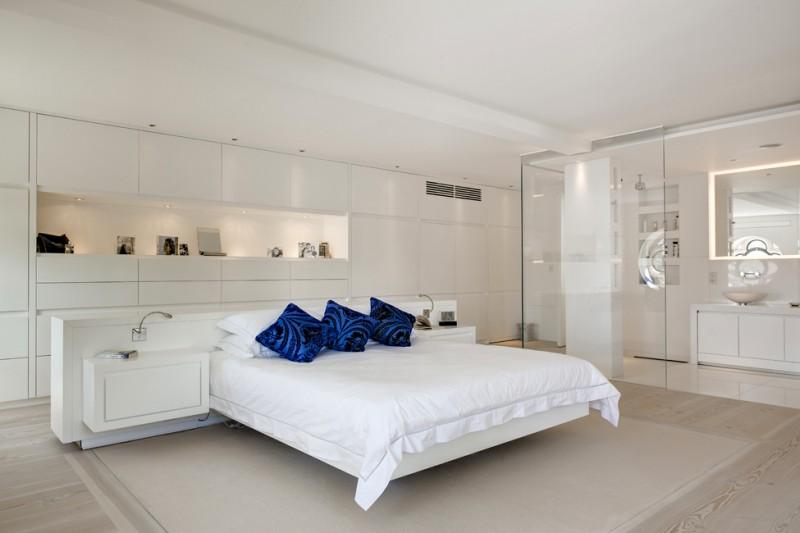 decoracao-loft-com-paredes-de-vidro-no-banheiro-dos-architects