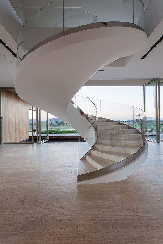 escada-circular-de-vidro-laminado-temperado-curvo