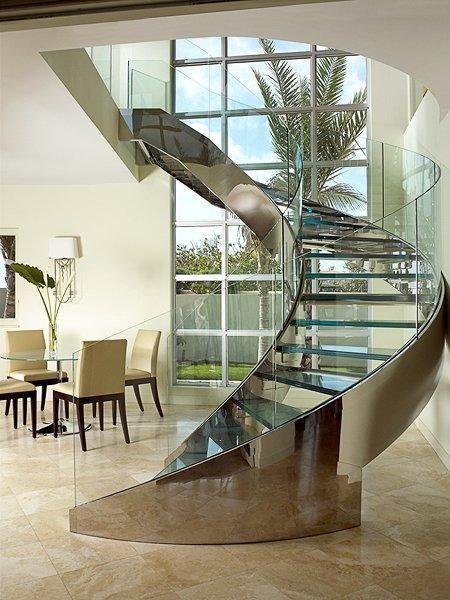 escada-espiral-de-vidro-curvo-laminado-temperado