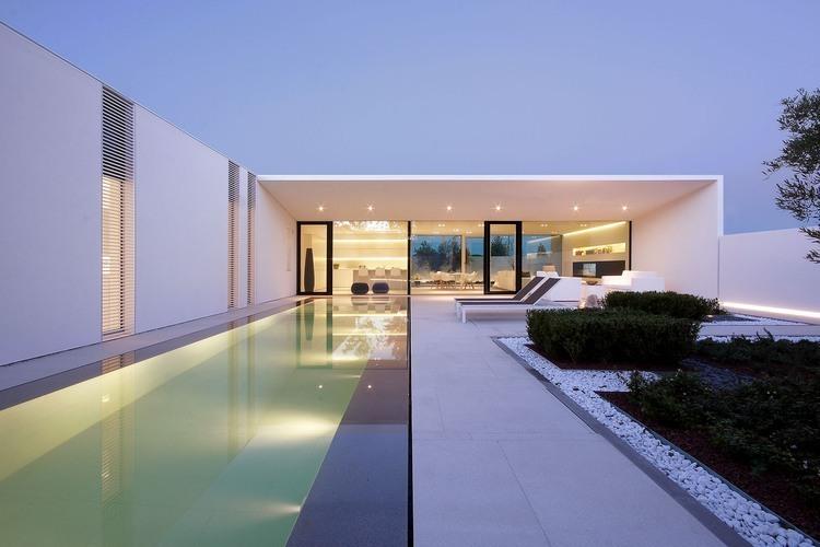 moderna-fachada-de-vidro-residencial
